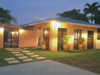 Casita Cerromar, 2 bed, 2 bath, sea views and pool, Île de Vieques