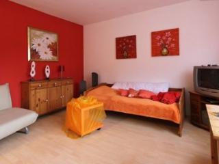 Vacation Apartment in Mittelnkirchen - 269 sqft, bright, compact, comfortable (# 3227)