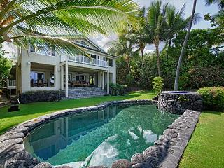 Deluxe Oceanfront 5 bedroom Estate with Pool & Spa, Paradise!