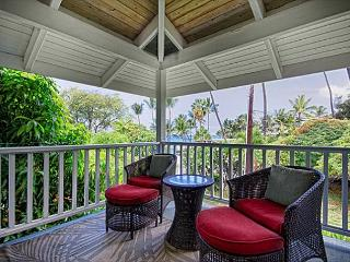 Upscale 3 bedroom bungalow in an oceanfront estate