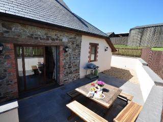 BURFL Barn situated in Clovelly (3mls S)