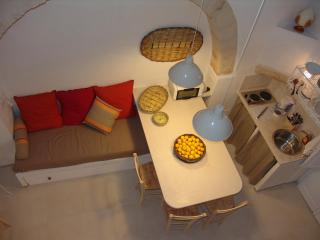 La Madia: charming house, beach, terrace, 2/6 pax, Monopoli