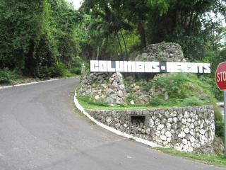 Entrance to Columbus Heights Condominium complex