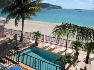 Beautiful beachfront at The Villas On Great Bay, Philipsburg