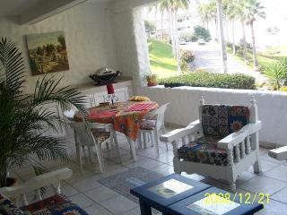 Outside dinning area on patio.