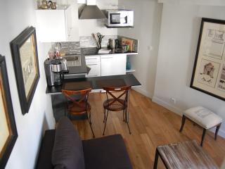 Apartment Mazet 2 vacation holiday apartment rental france, paris, 6th