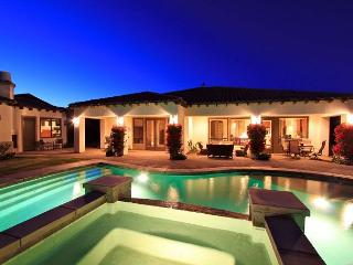 'Oasis' Pool, Spa, Outdoor TV, Foosball, BBQ, Fun!, La Quinta