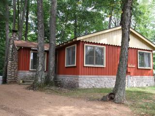 Ridgewood - A Classic Northwoods Cottage, Rhinelander