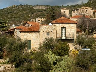 Stone Villa, Sleeps 5, sea views and sand beaches, Stoupa