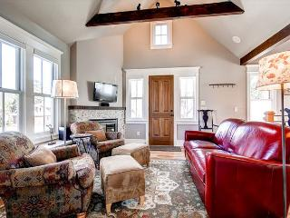 Plum Cottage Living Room Breckenridge Lodging Vacation Home Rent