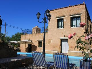 Beautiful luxurious stone Villa Laina private pool, Chania Town