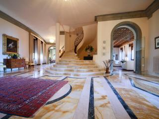 Luxury 5 bedroom villa near Arezzo in Tuscany, Castelveccana