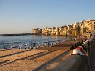 B&B 25 m from sea + view, in Sicily, Italy, Cefalù