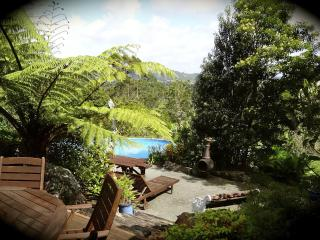 Secluded Rural Retreat + Beaches + Critters + Fun!, Waipu