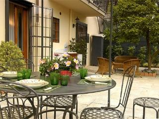 3 bed house with garden in Central Florence. Walking distance to sights (BFY125)