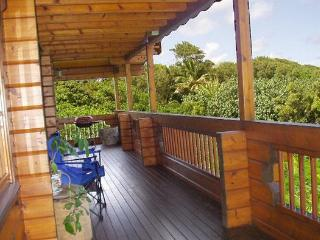 Maui Chalet - tropical North Shore private retreat