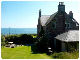 Tigh na Mara: Large Scottish Beach-side House