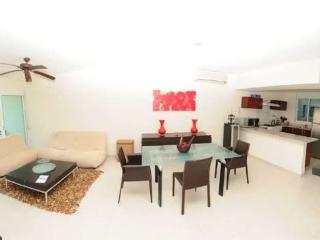 COCO BEACH PRIVATE CONDO HOME, Playa del Carmen