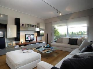 A Luxury Athenian Loft with Acropolis View, Athens
