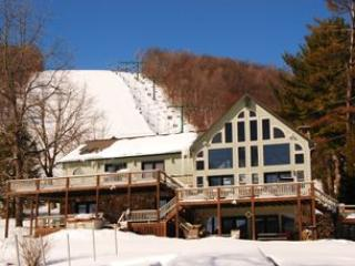 Lake Lift Lodge, McHenry