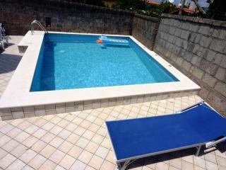 1 Bedroom villa with pool near Sorrento centre