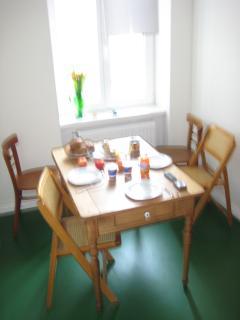 Kitchen table seats 6