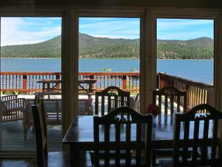 Dining Room with panoramic view of lake