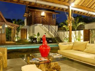 Private Luxury villa 4 Bedrooms near beach