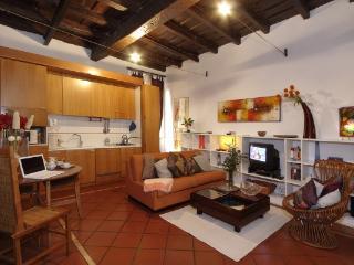 CR833b - I Falegnami Apartment in Ghetto, Rome