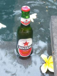 BEST place in Bali to have a cold one of these