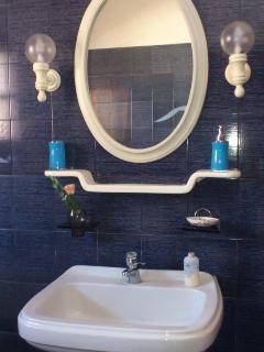 Basin-wash and mirror