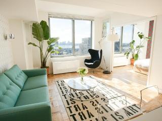 Luxury Chelsea 1-Bedroom with Panoramic Views, New York City