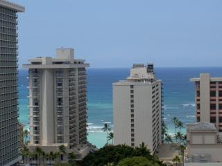 One of a Kind Luxury Suite w/Amenities.Sleeps 1-5!, Honolulu