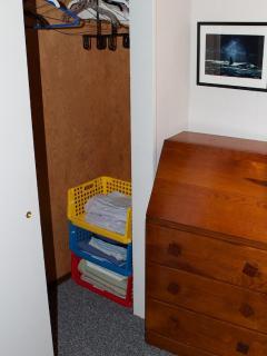 Kids' Bedroom Closet