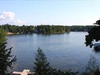 Wisconsin Dells Luxury 3 BR Condo on Lake Delton