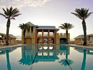BRAND NEW HEATED POOL AT SUNSET BLUE! SHORT STROLL TO BEACH/AMENITIES!!!