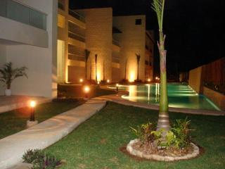 Outstanding PENTHOUSE 3 Bedrooms 2 Bathrooms, Puerto Aventuras