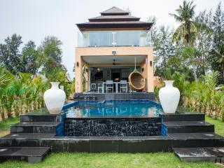 Palm Island villa front.