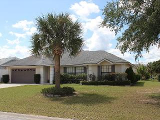 Excellent vacation home close to Disney, with private pool, 3 TVs, free Wi-Fi, Kissimmee