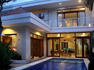 Mawa- 3 bedroom villa in fabulous location., Legian