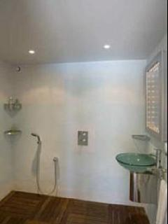 Pool Apartment Wetroom