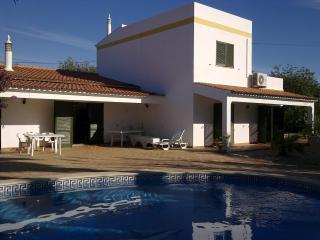 Elegant 5 bedroom villa in the Algarve sleeps 12, Tavira