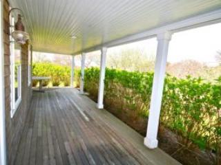 4 Bedroom 4 Bathroom Vacation Rental in Nantucket that sleeps 8 -(10331)