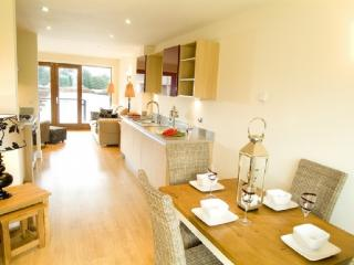 MARINA COTTAGE, 2 bedroomed, Carnforth, Lancashire Cumbria Border