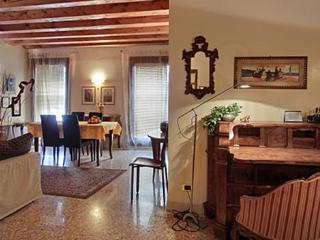 Luxury Cà BIMBA Flat Historical Centre Padova, Padua