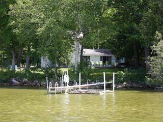 Lake Leelanau Lakefront Home Slps 15 Traverse City