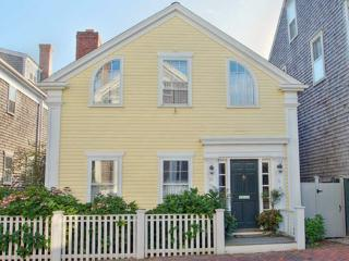 4 Bedroom 4 Bathroom Vacation Rental in Nantucket that sleeps 8 -(10336)
