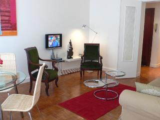 Two bedrooms   Paris Luxembourg district (344)