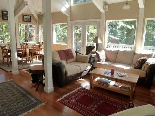 Gorgeous Tahoe Romantic Getaway!!, Tahoe Vista