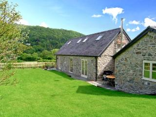 YSGUBOR CELYN MEGAN'S, detached, family-friendly cottage, two woodburners, in Ch